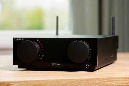 El Cyrus ONE Cast quiere actualizar las funciones de un sistema HiFi compacto al mundo del streaming y los asistentes de voz