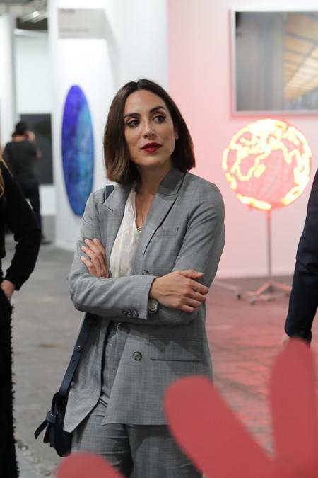 Tamara Falcó estrena nueva colección en su firma de moda y su madre, Isabel Preysler, ha sido la primera en llevar uno de los vestidos