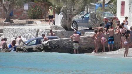 Este BMW Serie 1 nadador, a remojo en aguas griegas