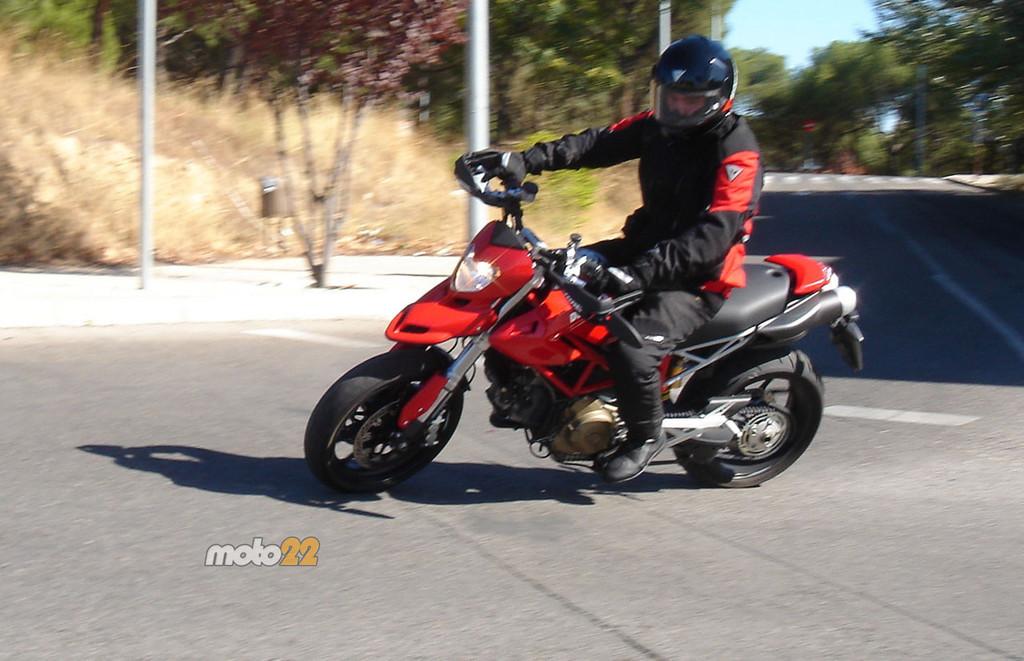 Foto de Prueba Ducati Hypermotard (11/13)