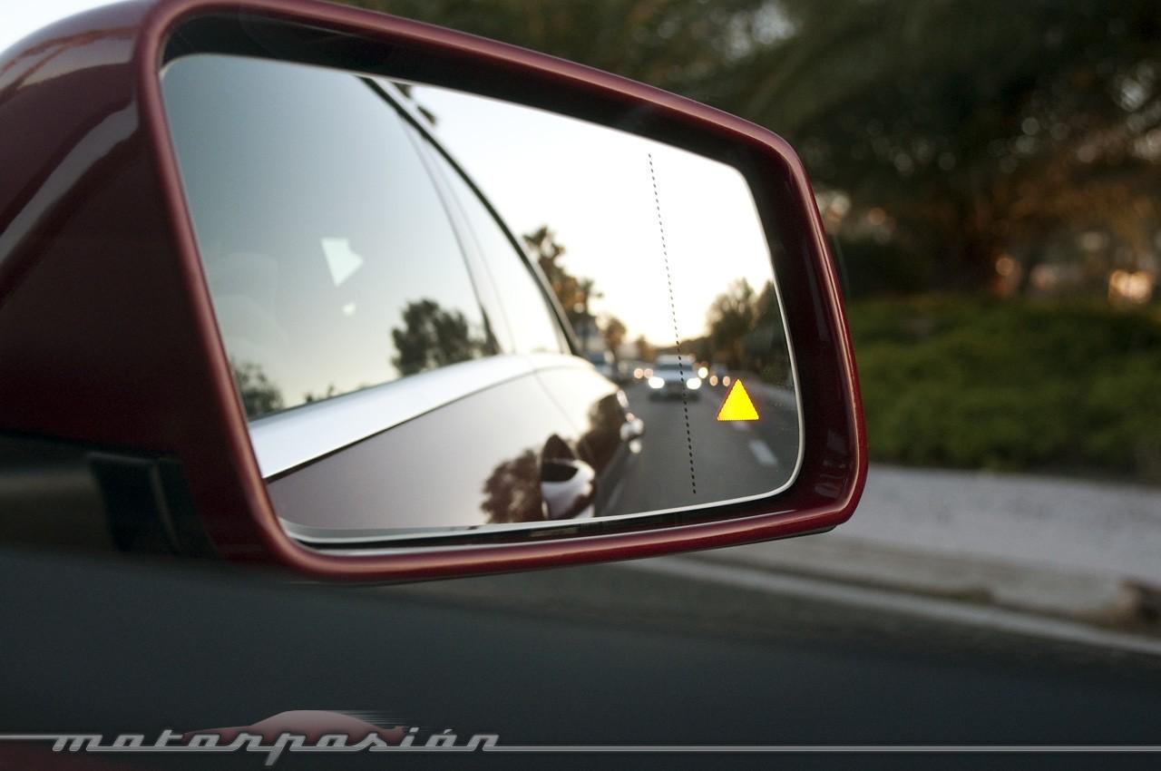 Foto de Mercedes-Benz Clase CLA (presentación) (16/40)