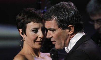 La gala de los Goya 2012 no mejora con Eva Hache