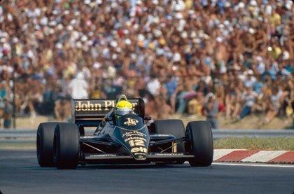 Bruno Senna con el Lotus 97T