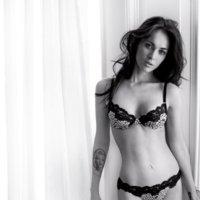 Megan Fox en lencería en la nueva campaña de Emporio Armani Underwear