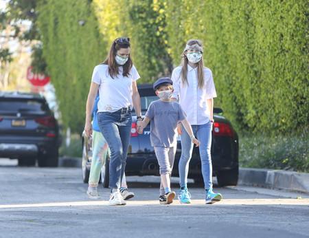 Cómo concienciar a tus hijos de la importancia de las mascarillas antes de que empiece el cole: hablamos con expertos