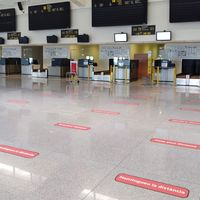Control de temperaturas y localización: estas son las medidas de seguridad que deberán pasar los viajeros en los aeropuertos