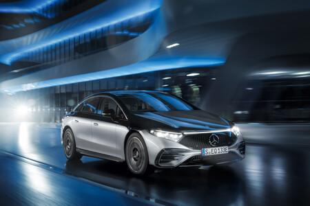 Mercedes Benz Eqs 3