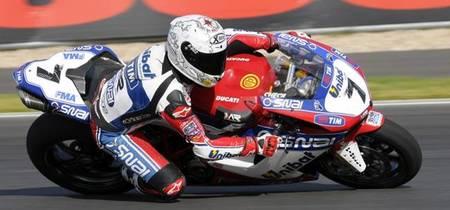 Superbikes Rusia 2012: Carlos Checa y Sam Lowes los más rápidos en los test oficiales