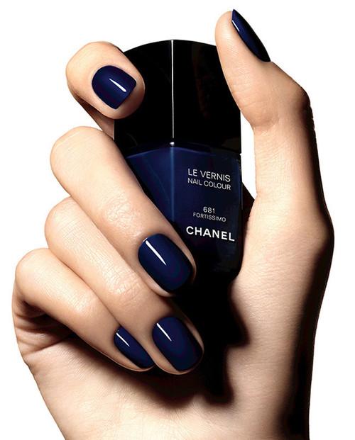 Las uñas no se apagan este otoño, te traemos los esmaltes que harán vibrar tus manos