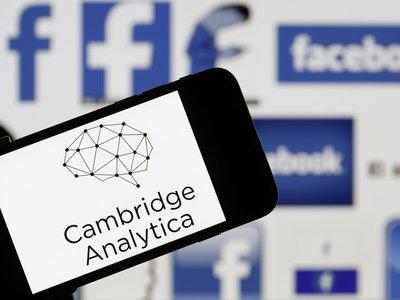 Ya puedes comprobar si Cambridge Analytica 'robó' tus datos de Facebook [Actualizada]