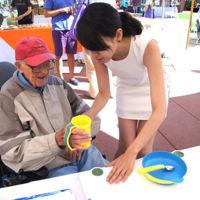Una vajilla amigable para personas enfermas de Alzheimer