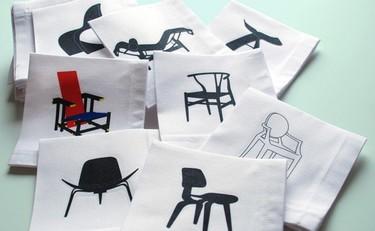 Servilletas decoradas con sillas famosas
