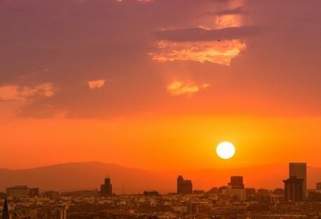 Madrid marca récords de contaminación con el dióxido de nitrógeno por las nubes