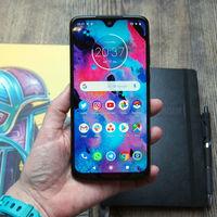 El Motorola Moto G7 comienza a actualizarse a Android 10