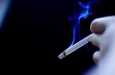 Espacios sin humo, menos ingresos hospitalarios de niños con asma