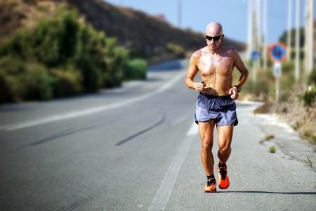 Correr con calor: lo que tienes que saber antes de calzarte las zapatillas en primavera y verano
