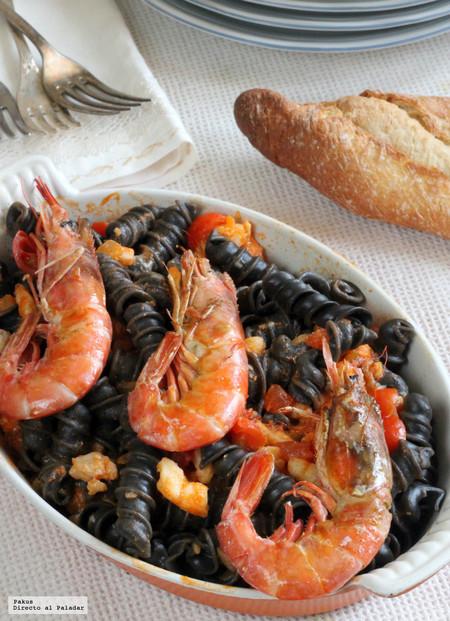 Ricci al nero di sepia con rape y gambones, una receta italiana para sorprender