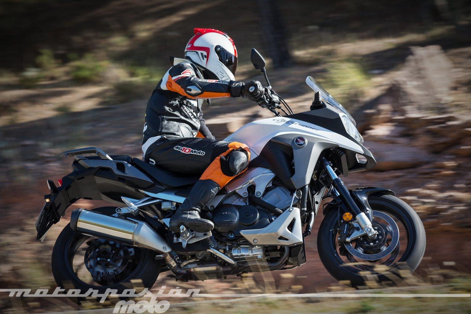 Foto de Honda VFR800X Crossrunner - Acción (23/23)