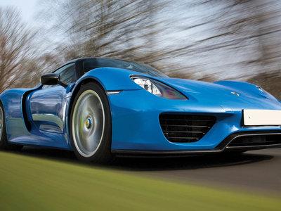 Puedes comprarte un Ferrari LaFerrari, un Porsche 918 Spyder y un McLaren P1 a la vez y en un solo sitio