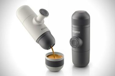 Minipresso, la máquina de café espresso para llevar en el bolso o en la mochila