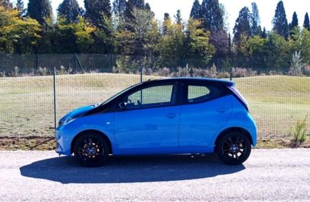 Toyota Aygo X Cite Azul 03