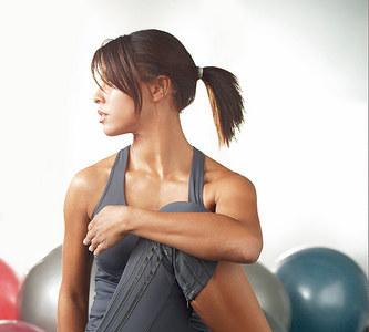 Un ejercicio fácil para estirar el glúteo
