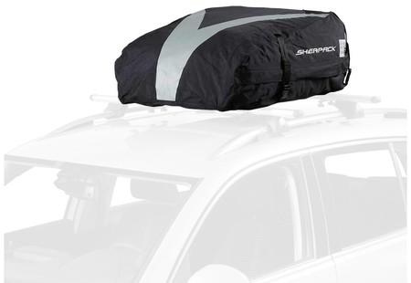 ¿Necesitas espacio extra para equipaje? el cofre plegable para coche Sherpack de 270 litros de capacidad cuesta 78,79 euros