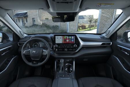 Toyota Highlander Electric Hybrid 2021 Interior 1