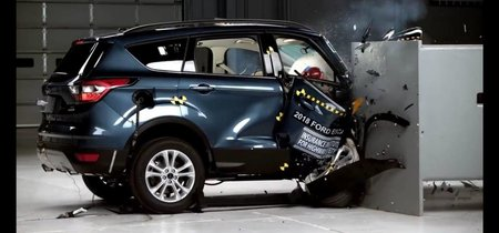 Ford Escape y Mitsubishi Outlander Sport reprueban el crash test de IIHS