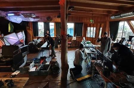 Tu propia discoteca de Berlín en casa: los DJs de medio mundo te quieren sacar de fiesta confinado