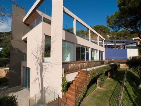 Casa de lujo en España: arquitectura moderna en  Sant Feliu De Guixols