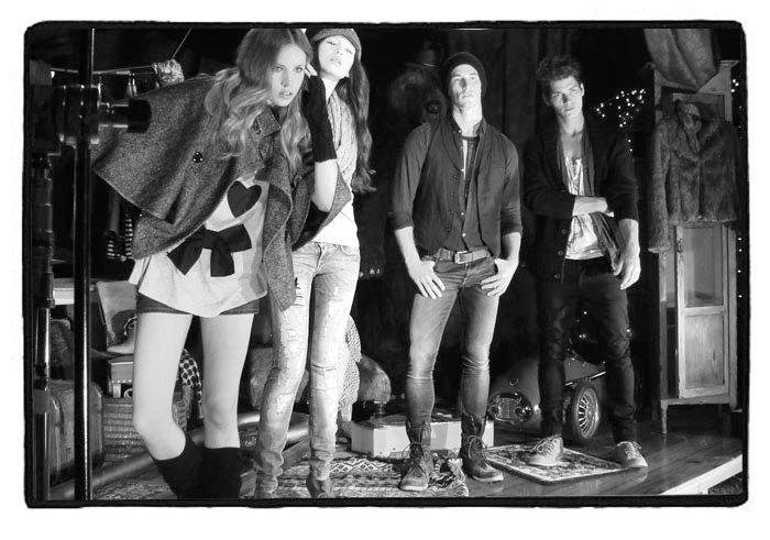 Foto de Pull And Bear, campaña Otoño-Invierno 2010: ropa para una mujer joven (1/13)