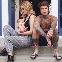 Chiara Ferragni o cómo desprender estilo con un bebé a bordo