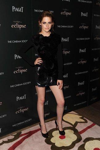 Los mejores zapatos y sandalias de las famosas para este verano. Kristen Stewart