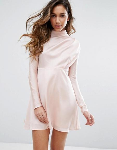 Vestido en satén rosa