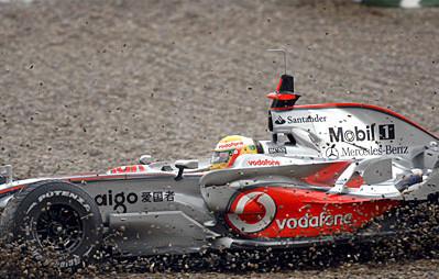 Timo Glock lidera una accidentada jornada en Jerez