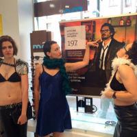Multiópticas se lleva el premio a la publicidad más machista y burda del año