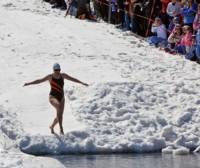 ¿Nadar en agua fría sirve para perder más peso?