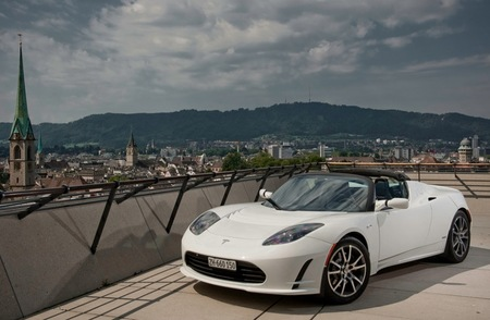 Tesla Roadster blanco