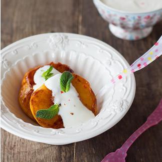Receta de melocotones a la plancha con salsa de yogur a la pimienta rosa, una manera divertida de disfrutar de la fruta