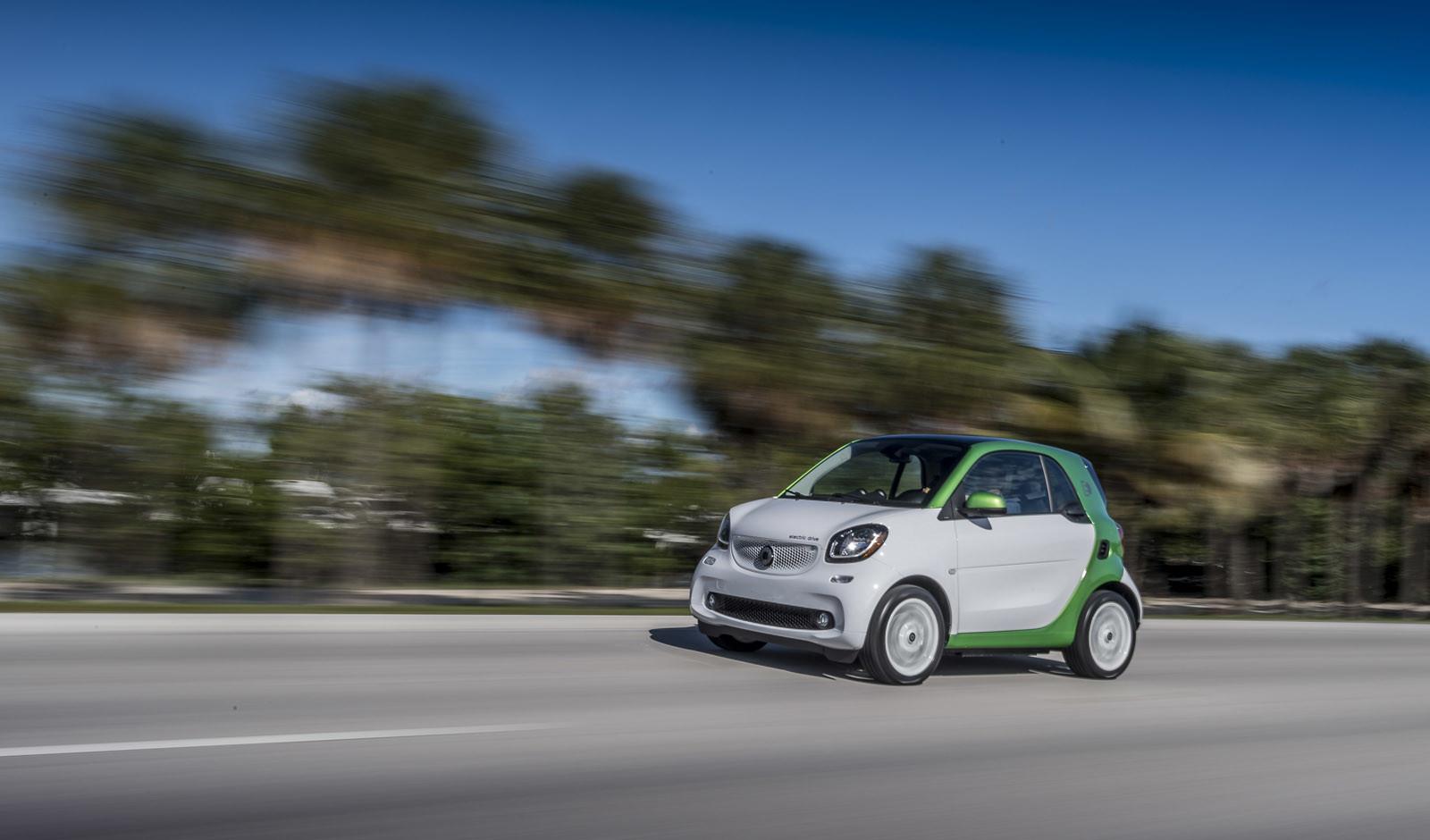 Foto de smart fortwo Electric Drive, toma de contacto (91/313)