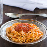 Receta de espaguetis con salsa de vodka: suena rara, sí, pero está exquisita