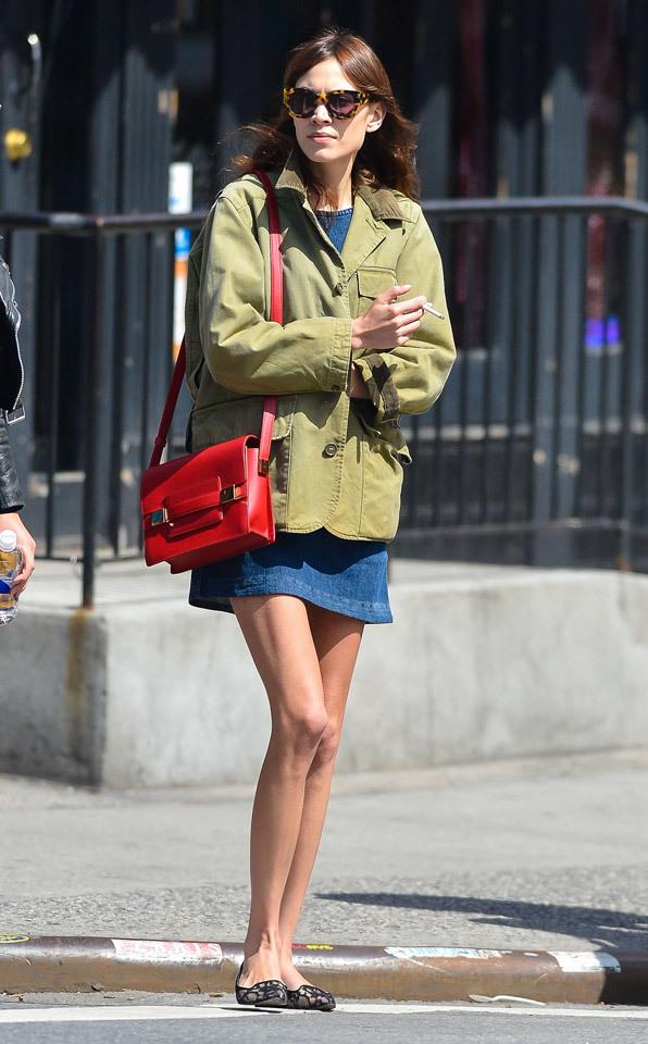 Foto de Top 5-1: Las famosas con mejor street style de 2013 (26/28)