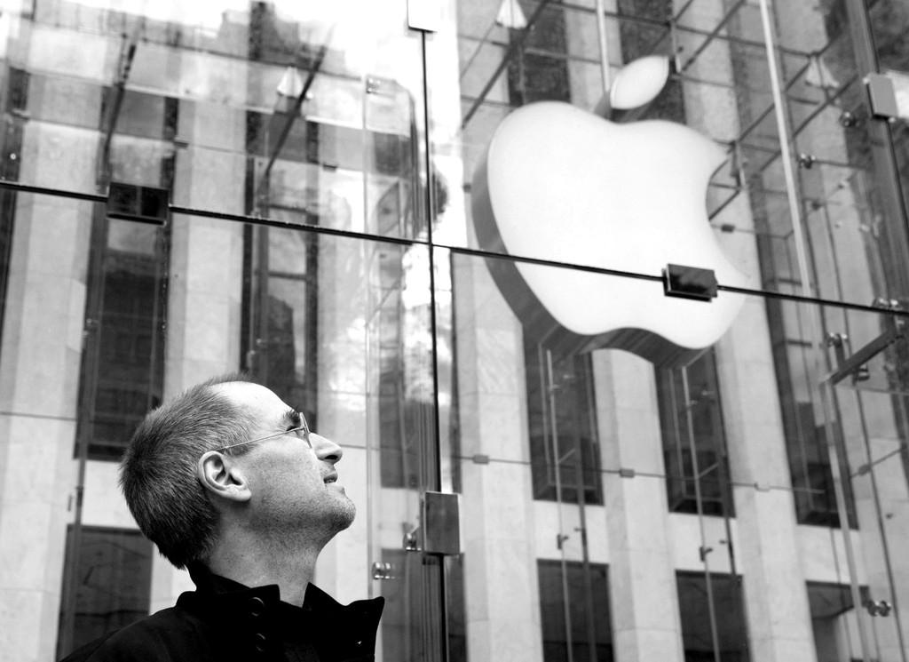 Tim Cook recuerda a Steve Jobs en Twitter™ por el 8º aniversario de su muerte