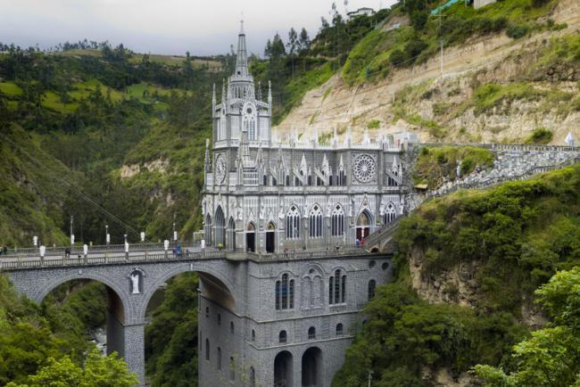 Santuario de las Lajas, entre Colombia y Ecuador