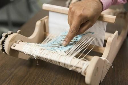 Estos filamentos podrían ser tu próxima ropa que recoge energía solar
