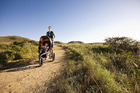 Ejercicios para adelgazar y ponerte en forma con tu bebé que te lo harán más fácil