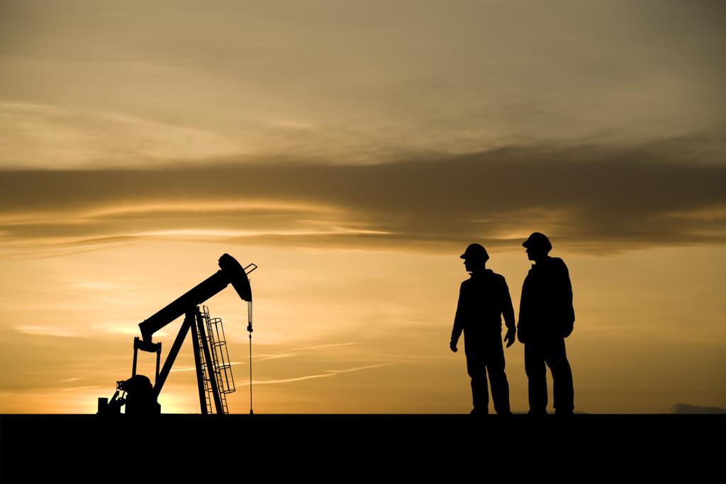 Repsol toca mínimos en bolsa: un ejemplo más de la urgencia que tienen las petroleras de agarrarse a las energías renovables
