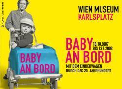 Exposición de 100 años de carritos de bebé en Viena