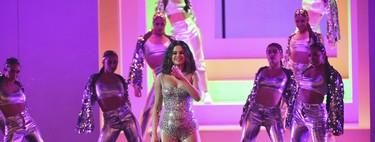 Selena Gomez no solo estrenó nuevo corte de pelo en los AMA's sino también un llamativo tatuaje